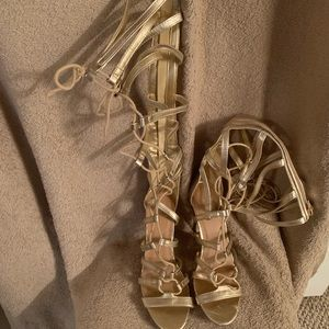 Speed Limit 98 Gladiator heels Gold and black